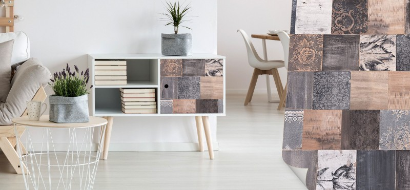 Möbelfolie mit floralem Holzdesign | jetzt bestellen...