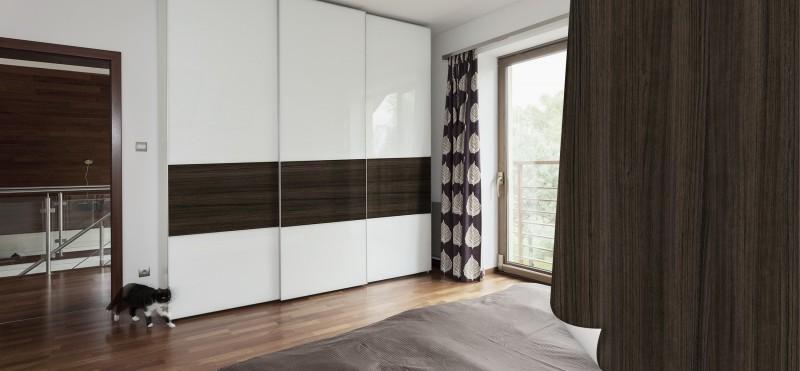 Einrichtungsbeispiel mit der Möbelfolie Eukalyptus geräuchert | jetzt bestellen PrintYourHome.de
