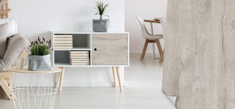 Einrichtungsbeispiel mit der Möbelfolie Eiche gekalkt | jetzt bestellen PrintYourHome.de